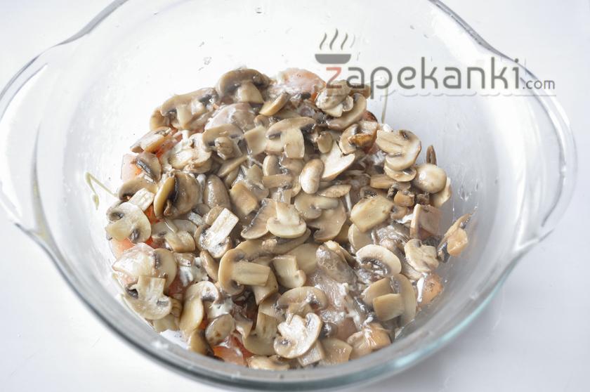 добавляем грибы к филе