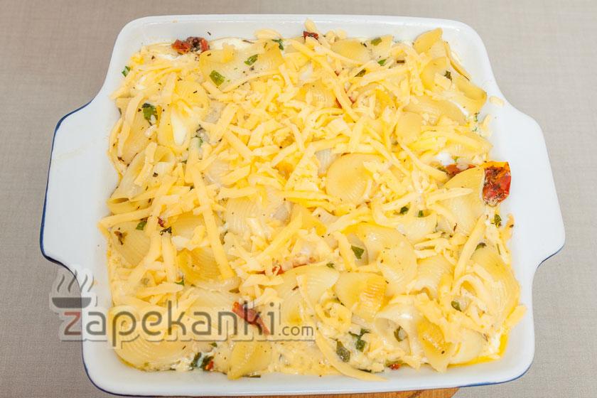 добавляем сверху оставшийся сыр